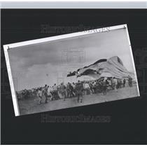1958 Press Photo Goodyear Sightseeing Blimp Deflated - RRX99019