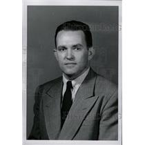 1962 Press Photo Britton Timby newsman reporter wears - RRW96867