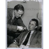 1950 Press Photo Journalist John Edward - RRX45951