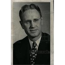 1943 Press Photo Forrest Wallace Detroit Radio News man - RRW96383