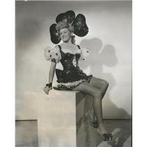1943 Press Photo Actress Virginia Maple - RSC91953