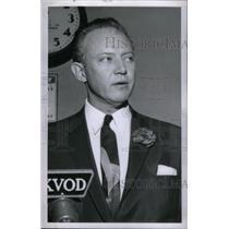 1957 Press Photo MC Stephen Nichols - RRX47385