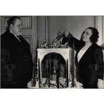 1935 Press Photo Metro Opera Co Magr Casazza With Wife - RRW77451