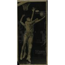 1949 Press Photo Vince Boryla New York Knicks player - RRW80743