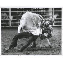 1982 Press Photo Calf Roping Event Rodeo - RRX84197