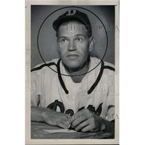 1949 Press Photo Earl James Browne - RRW74115