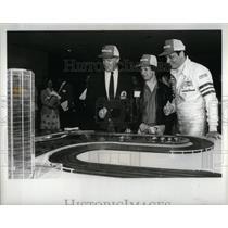 1982 Press Photo Grand Prix Press Conf Attendees - RRX56155