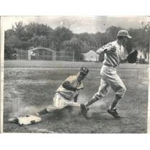 1963 Press Photo York High School Baseball Game Player Out Illinois - RSC28903