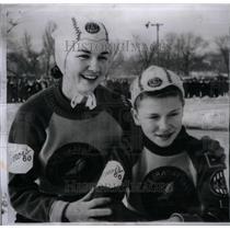 1960 Press Photo Speed Skate Champ Mary Novak - RRX43037