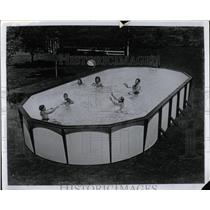 1970 Press Photo Swimming Pool - RRW02451