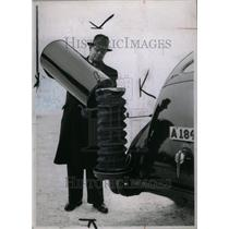 1941 Press Photo Charcoal Burning Gas Generator Ford