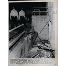 1958 Press Photo Bomb Damage Synagogue - RRX73533