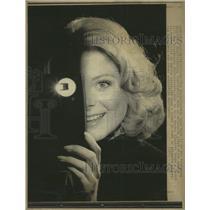 1974 Press Photo Marsha Lucas Warner Electric Light - RRW35343