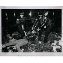 1991 Press Photo Anti War Protesters Chicago Area - RRX56465