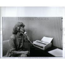 1990 Press Photo Dr. Carolyn Pryor, Sociologist - RRX54807