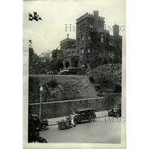 1931 Press Photo Mrs.Henderson leave her castle forever - RRX72633