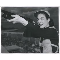 Press Photo Mrs. Leon Marshall Shooting on The Ranger - RSC99809