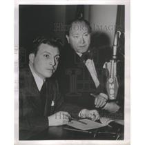 1947 Press Photo John Nesbitt Radio Film Announcer Narrator Producer - RSC96547