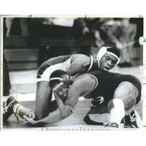 1984 Press Photo Pat Nowampka Kevin Walker wrestle - RSC26979
