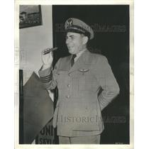 1940 Press Photo E. Hamilton Lee, first 3-million mile pilot in the world!