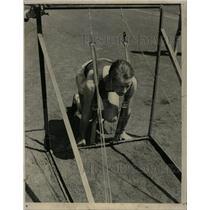 1940 Press Photo Ed Asmus Ben Ogden track Athlete gate - RRW22713