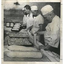 1946 Press Photo County Jail bread scarcer toe food - RRX89561