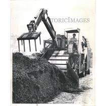 1961 Press Photo Mushrooms composting machine humus - RRW29539