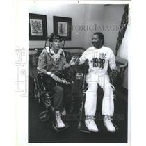 1988 Press Photo Darryl Stingley Paralyzed NFL Player Visits Joe Di Grazia