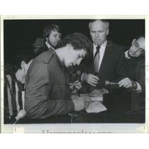 Press Photo Walter Polovchak Ukrainian-American Registering for Selective Servic