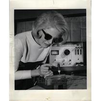1966 Press Photo Sandra Bryles Weld Thin Sheet Metal Pl