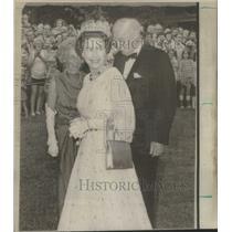 1973 Press Photo Queen Elizabeth in Ontario - RSC62337
