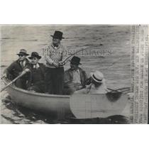 1945 Press Photo President Truman on vacation - RSC55483