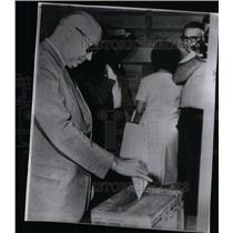 1963 Press Photo Raul Leoni, politics Caracas - RRX47685