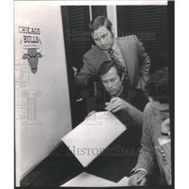 1972 Press Photo BULLS ATTORNEY JACK GUTHMAN COACH DICK MOTTA SCOUT PHIL JOHNSON