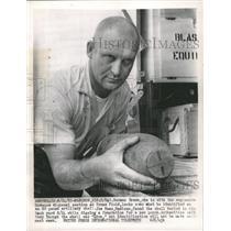 1963 Press Photo Norman Brown Artillery Shell Joe Hass - RRW46157