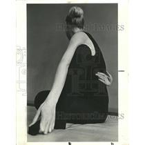 1969 Press Photo Top Side View Posture Elegant - RRW44583