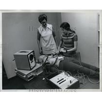 1973 Press Photo LYNN MC CRACKEN MEDICAL PROGRAM - RRW86161