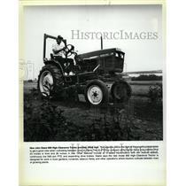 Press Photo John Dere Clearance Tractor Plants Engine - RRW22737
