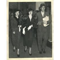 1934 Press Photo Mrs Gloria Vanderbilt Supreme Court - RRX89409