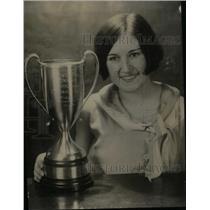 1930 Press Photo Alma Funderburk Trophy Colorado Derby - RRX41389