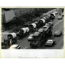 1983 Press Photo Vision Quest Wagon Train Chicago - RRW66493