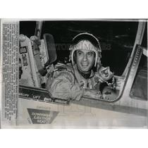 1966 Press Photo James Jabara Jet Ace Florida America - RRW57669