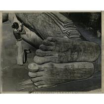 1934 Press Photo Dying Buddha Statue Cingalese Pilgrims - RRX77043