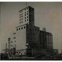 1929 Press Photo Dalston Purina Company Mils New York - RRX80255