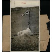 1929 Press Photo Sir John Tablet Memorial Bronze Fate - RRX46669