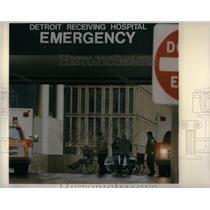 1990 Press Photo Detroit Receiving Hospital - RRX51109