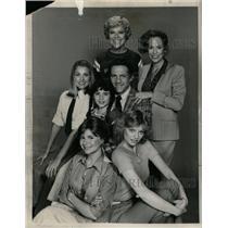 1980 Press Photo Actors Ladies Man CBS - RRW26361