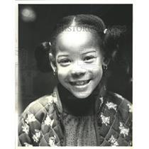 1980 Press Photo Emiko Candy Audition Marva Collins - RRW41821