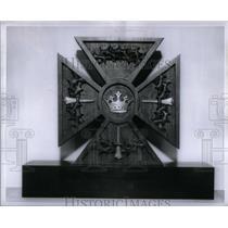 1957 Press Photo Maltese Crosse Jeweled crown wood - RRX51627