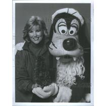 1984 Press Photo Goofy Approves America's Joan Lunden Disney World's Parade